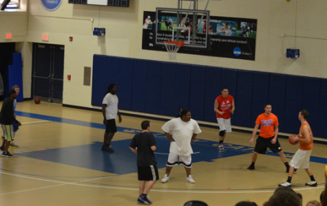 Greeks and cooks play charity game