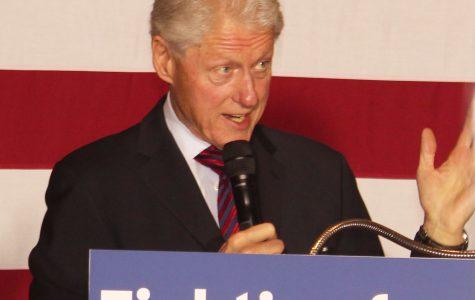 Bill Clinton speaks on campus