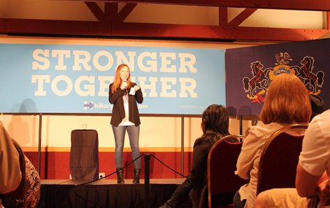 Chelsea Clinton campaigns for mother