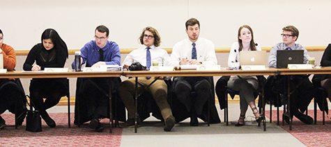 Student senators grant executive board members special privileges