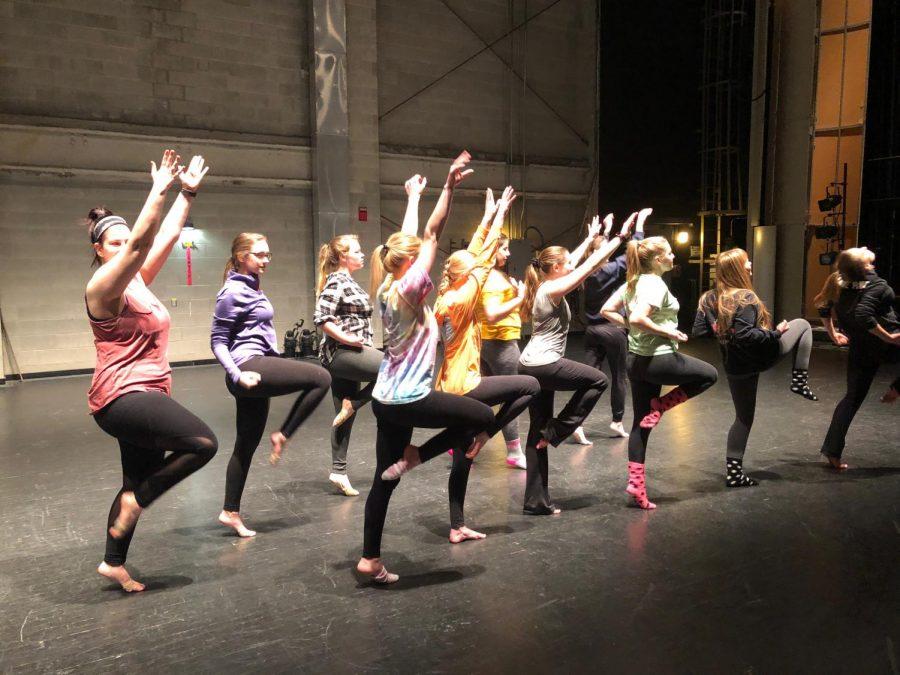 Dancers+practice+%E2%80%9CLet%E2%80%99s+Get+Loud%2C%E2%80%9D+a+jazz+dance+choreographed+by+sophomore+Nicole+Fuschino.+Curtains+open+Feb.+2.