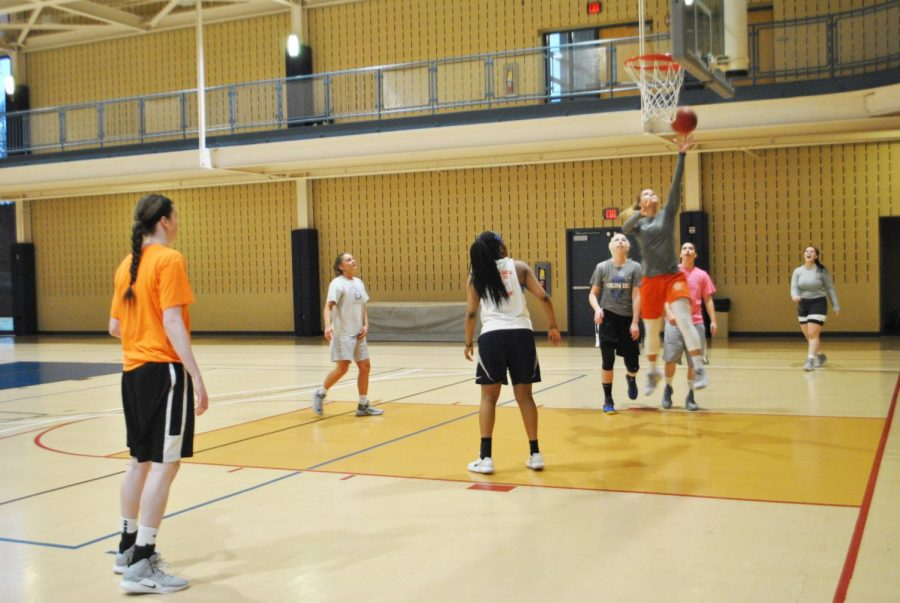 The+women%E2%80%99s+basketball+team+held+a+pick-up+practice+March+21+at+the+Wellness+Center.
