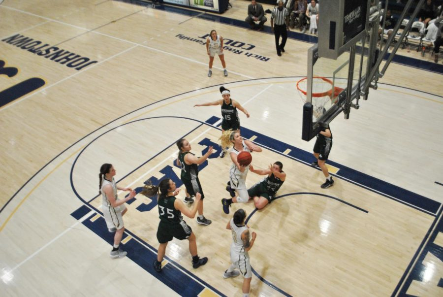Gabbie+Smith+%28center%29+scored+19+points%2C+against+Mercyhurst+University+Feb.+27+at+the+Sports++Center.