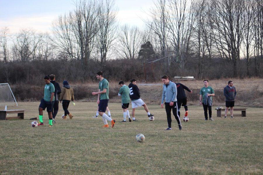 The+Pitt-Johnstown+men%E2%80%99s+soccer+team+at+the+Metlife+complex+April+2.